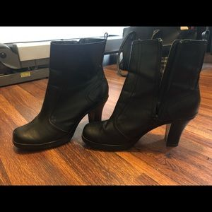 Mudd Ankle Boots with Heel.